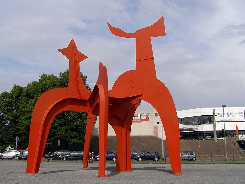 File:Hannover Calder Modern art.jpg