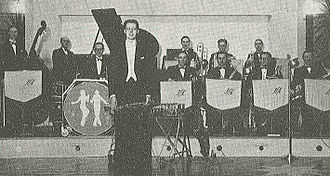 Harry Arnold - Harry Arnold with his orchestra in 1943.