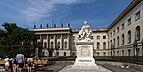 Hauptgebäude der Humboldt-Universität mit Alexander von Humboldt Denkmal - Berlin.jpg