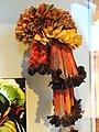 Headdress, Munduruku people, macaw and toucan feathers - South American collection - Peabody Museum, Harvard University - DSC05693.JPG