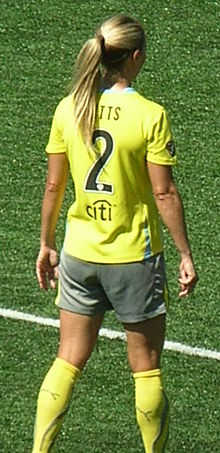 Heather Mitts at 2010 WPS Championship 2.JPG