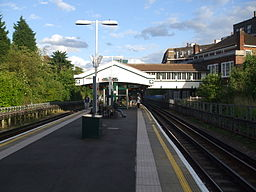 Hendon Central stn southbound