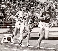 Herbert Schade, Alain Mimoun, Emil Zátopek 1952.jpg