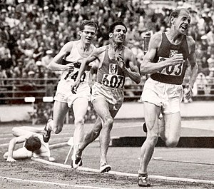 Herbert Schade - Schade chasing Mimoun and Zátopek in the 5000 m final at the 1952 Olympics