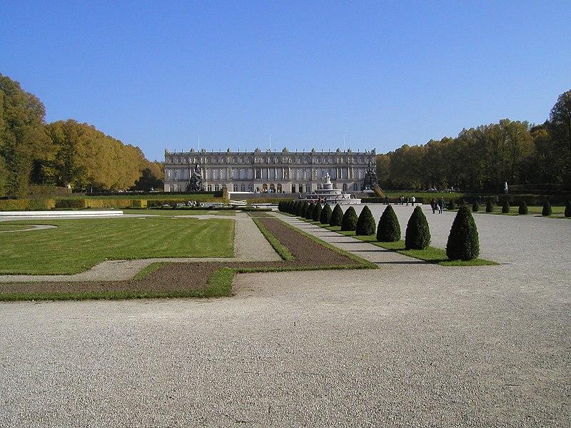 Datei:Herrenchiemsee Park 3.jpg