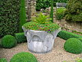 Hever Castle gardens 2.JPG