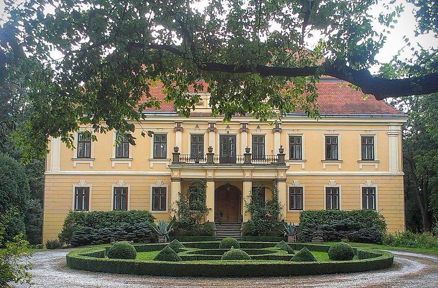 Hoštice (Kroměříž District)