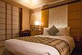 Hotel Niwa Tokyo standard bedroom 20131027-001.jpg