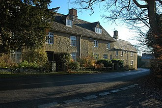 Spelsbury - Image: Houses in Spelsbury geograph.org.uk 1116420
