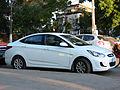 Hyundai Accent GL 1.4 2013 (9714321952).jpg
