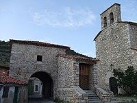 Iglesia y Plaza de Poyatos (Cuenca) 2.jpg