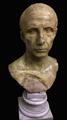 """Il busto di """"Cesare"""" di Acireale.png"""