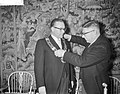 Installatie van ir. H. B. J. Witte tot burgemeester van Eindhoven, locoburgemees, Bestanddeelnr 910-7716.jpg