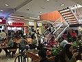 Interior de Tres Cruces Shopping 02.jpg