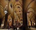 Interior naves catedral pamplona.jpg