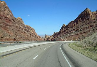 Interstate 70 through Utah.jpg