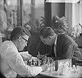 Interzonaal schaaktoernooi, slotpartij links Larsen en Smyslov, Bestanddeelnr 916-5617.jpg