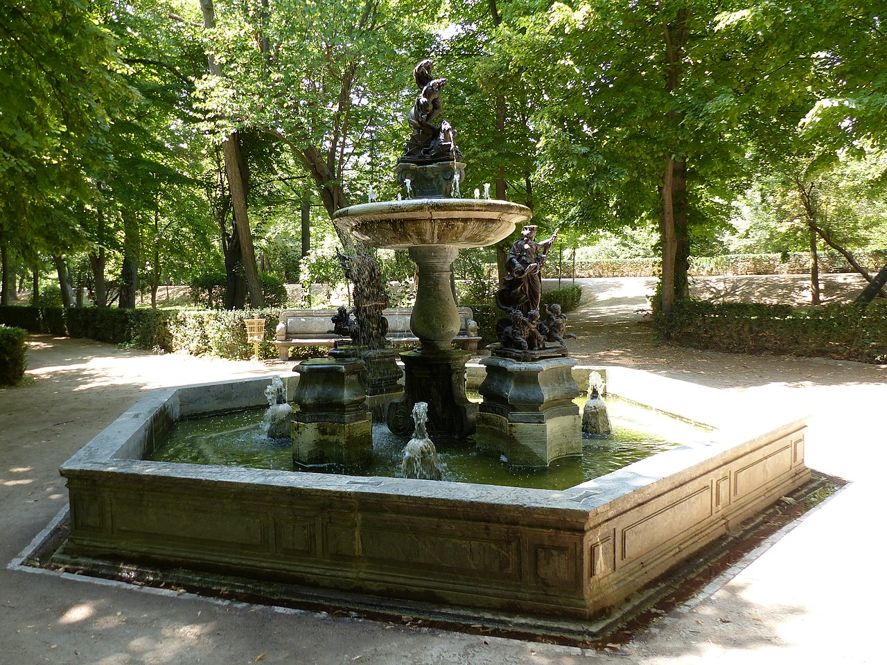 File jard n de la isla aranjuez madrid espa a 2016 34 for Jardin de la isla aranjuez