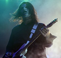 Jim Root in concerto con gli Slipknot al Mayhem Festival