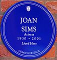 Joan Sims Esmond Court Thackeray Street blue plaque.jpg