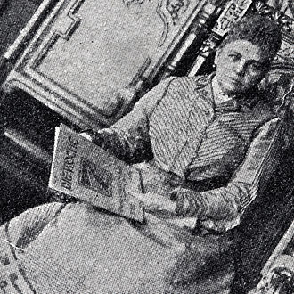 Product placement - Self-advertising: A German countess holds a copy of the magazine Die Woche in her hands. The photo appeared in 1902 in an issue of the magazine. (detail of the actual photograph)