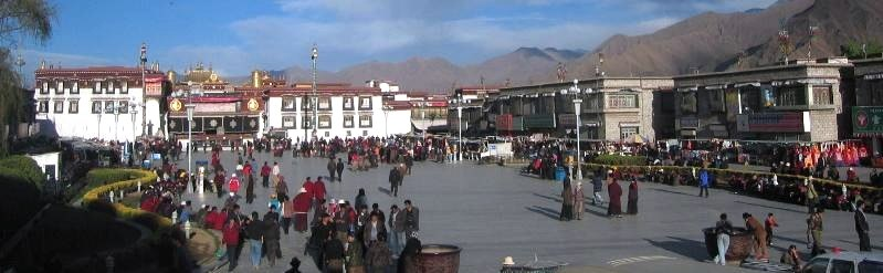 Jokhang Square, the first destination or drop-off for most tourists