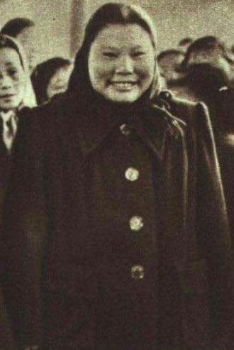 Kang Keqing - Kang Keqing in 1952 at the International Convention for the Protection of Children