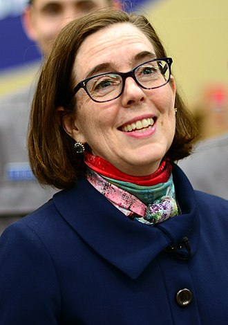 Governor of Oregon - Image: Kate Brown in 2017