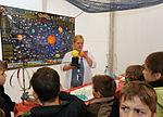 Kinder entdecken das Sonnensystem (6159282480).jpg