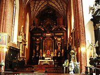 Konkatedra w Chełmży-ołtarz główny w prezbiterium