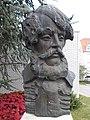 Kossuth Lajos mellszobra (Marton László, 1993), Hévíz, 2016 Hungary.jpg
