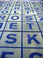 Kuehn Malvezzi Markierung Glaslager vor der Berlinischen Galerie Detailaufnahme I.jpg