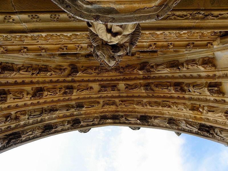 Portail central de la basilique Notre-Dame de l'Épine (51). Voussures.