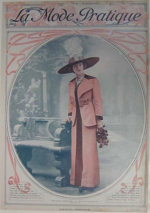 Shantung (fabric) - A tailored dress in pink shantung, trimmed with black shantung, 1912.