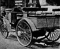 La voiture n°3 de Dion-Bouton du comte de Chasseloup-Laubat (dog-cart à vapeur 4 places) au départ de Paris-Bordeaux-Paris 1895 (arrêtée à Tours).jpg