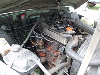 Land Rover engines - A 2.25-litre petrol engine with the later 5-bearing crank.