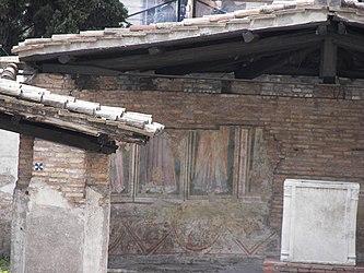 Largo di Torre Argentina Temple A fresco.jpg