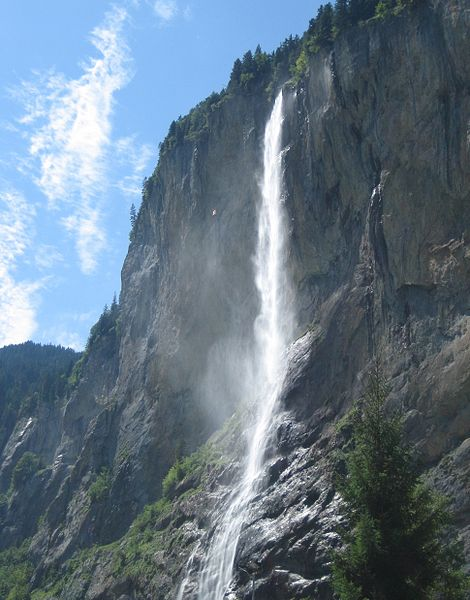 Lauterbrunnen - Staubbach waterfalls