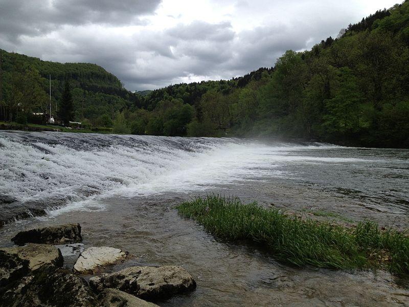 Petite chute sur le Doubs près d'Ocourt.