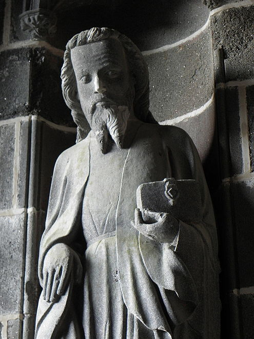 "One of the statues of the apostles in the interior of the ""porche des Apôtres"""