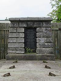 Lieben family grave (I), 2016.jpg