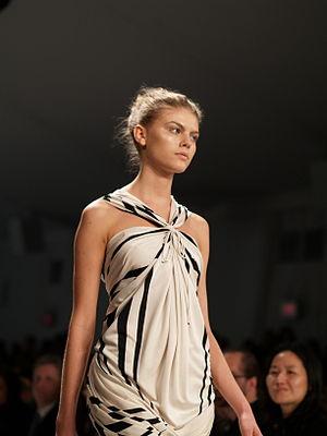 Maryna Linchuk modeling in Doo.Ri Spring 2007 ...