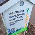Little free library at Finsbury Park, London.png