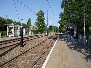 Lloyd Park tram stop - Platforms looking east