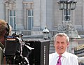 London July 22 2013 083 Buckingham Palace (4) Colin Brazier hosts Sky News (9347844065).jpg