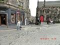 Looking down the Magic Mile in Edinburgh - panoramio.jpg