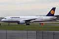 Lufthansa, D-AIPR, Airbus A320-211 (17215238432).jpg