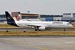 Lufthansa, D-AIRK, Airbus A321-131 (44339373392).jpg
