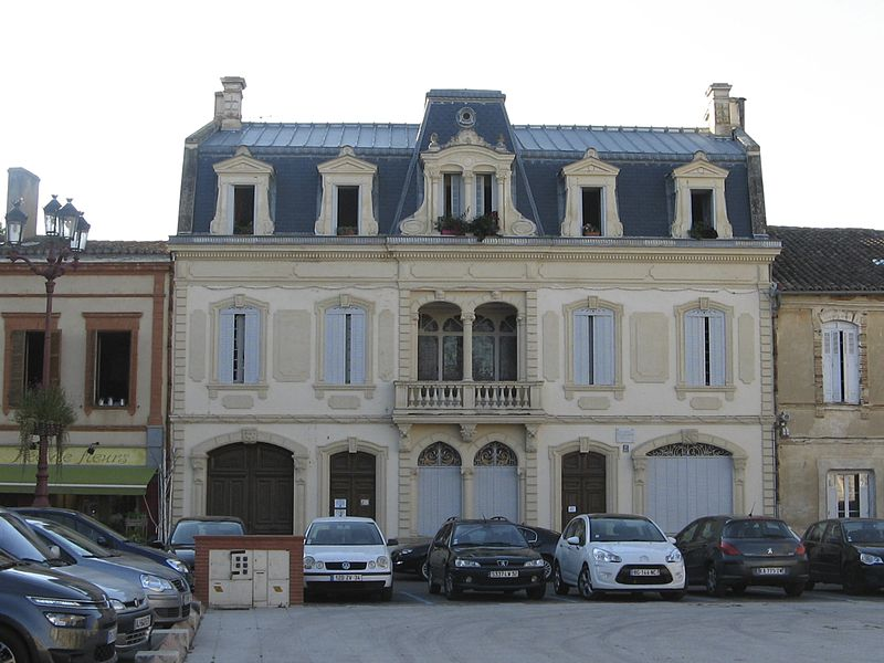 Claude Augé's house in L'Isle-Jourdain, Gers built in the centre of the town 1903. Unfortunately the square is used for parking so is quite difficult to photograph.