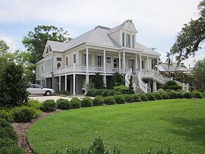 Mandeville, Louisiana - Image: Mandeville PMA stairs